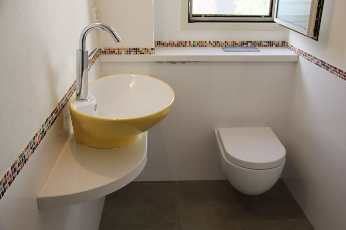 חדר אמבטיה לילדה