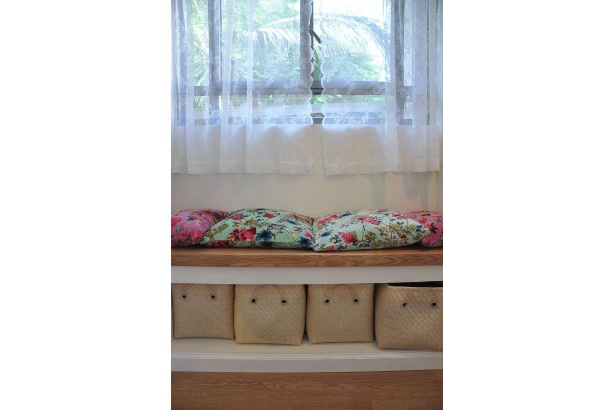 ספסל בחדר השינה
