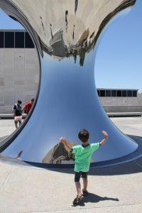 פסל היפוך העולם
